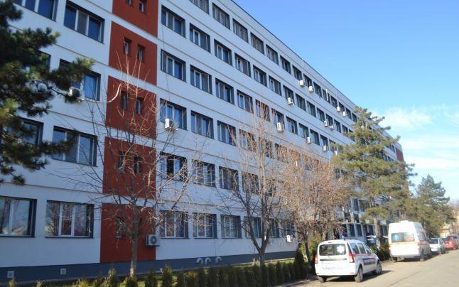 Corpul principal al Spitalului Judeţean de Urgenţă a intrat în reparaţii de consolidare