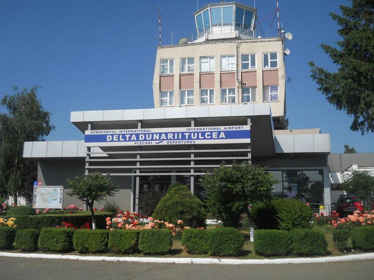 """Anul trecut, pe Aeroportul """"Delta Dunării"""" au fost înregistraţi circa 4.000 de pasager"""