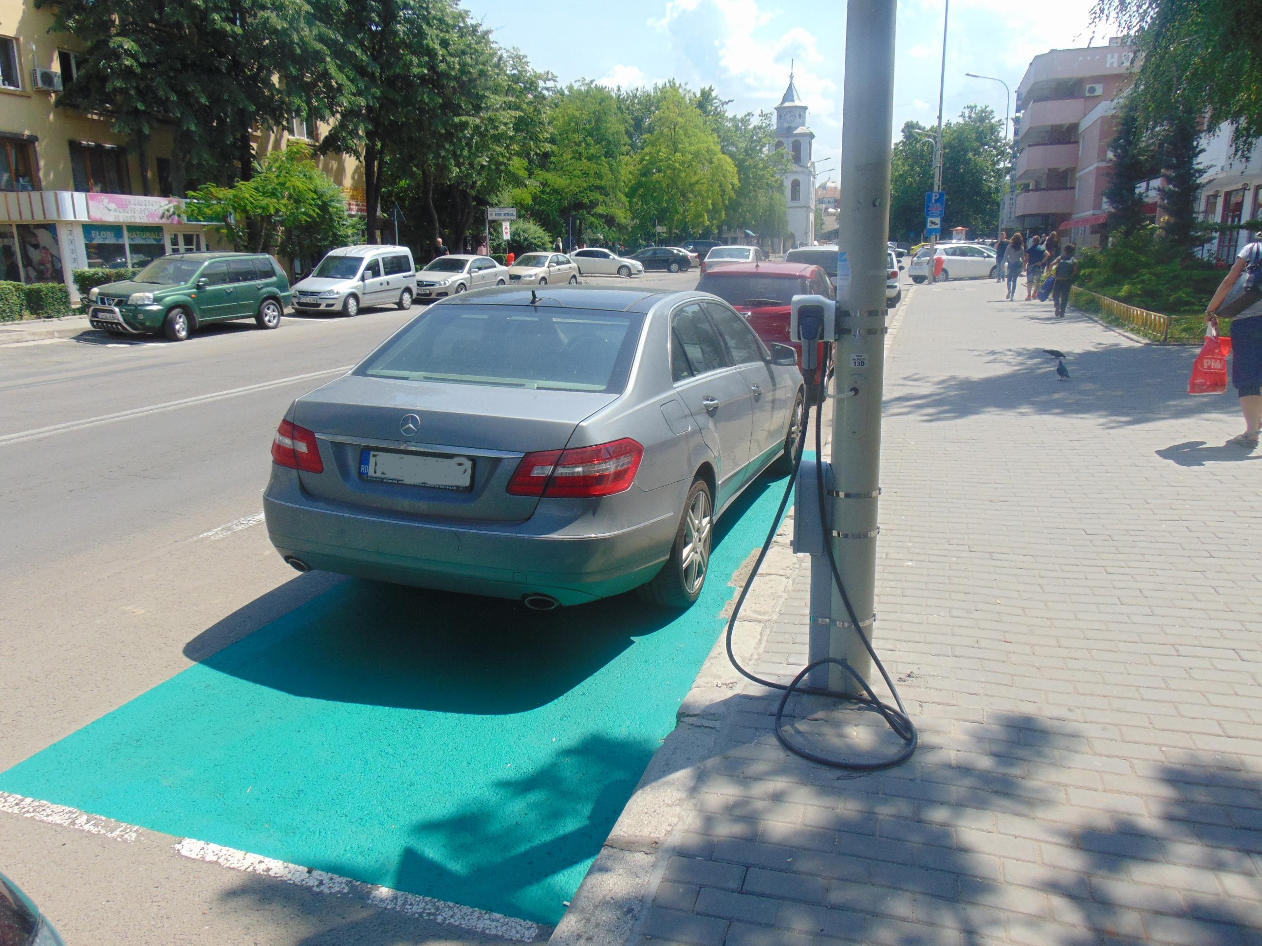 Plinul la maşinile electrice şi hibrid, gratis la Tulcea