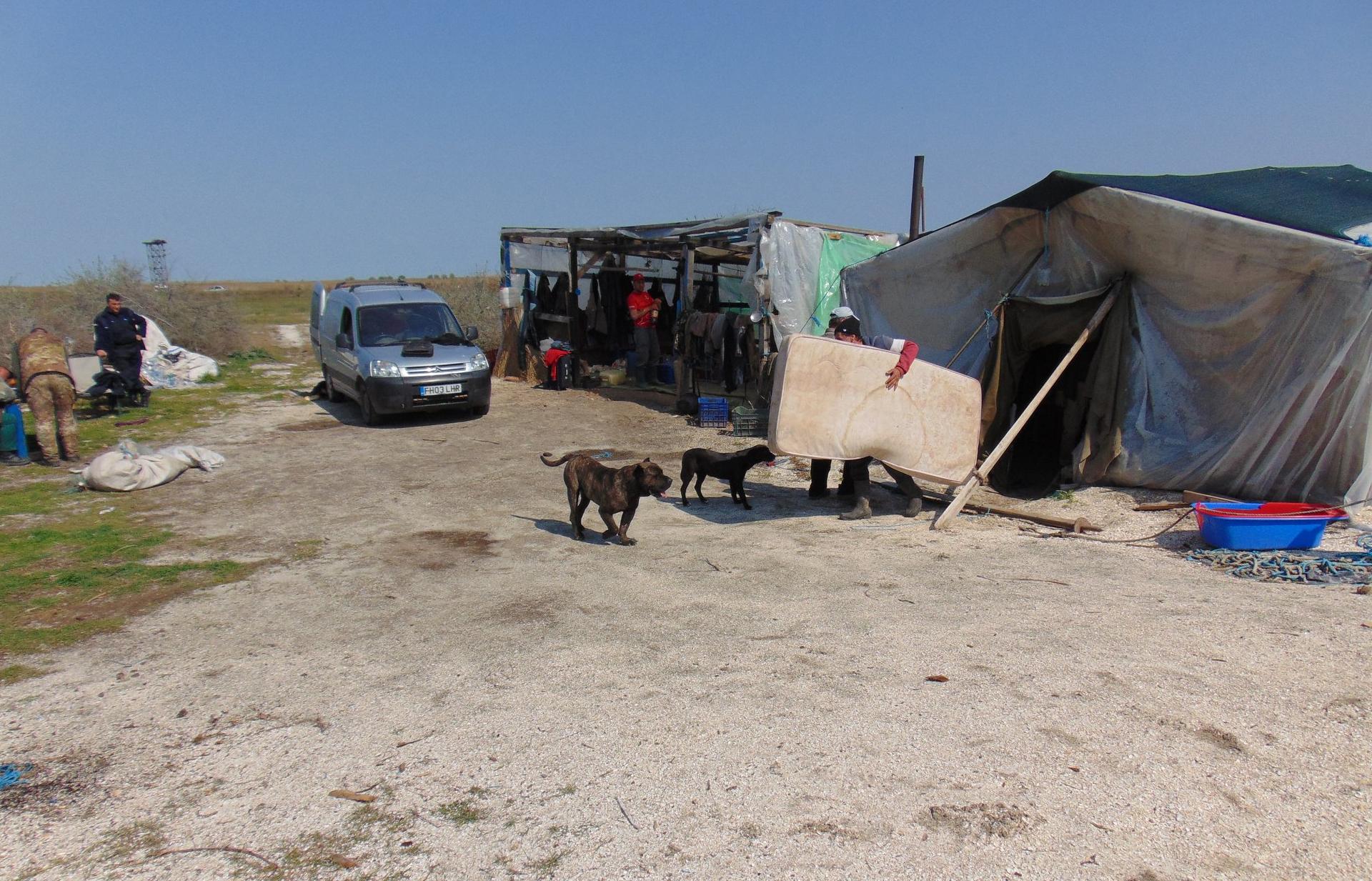 Satul de rulote şi corturi improvizate de la Perişor, demolat de ARBDD