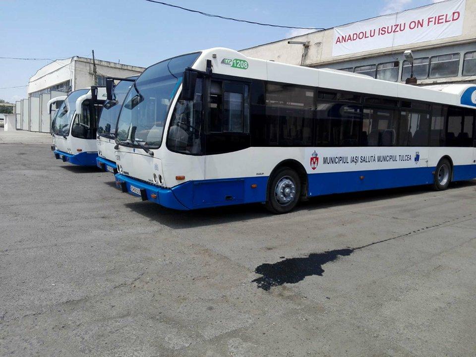 Cinci autobuze de la Iaşi au ajuns la Tulcea şi funcţionează pe traseele din municipiu