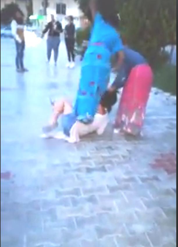 Conflict amoros la Babadag: tânără bătută cu bestialitate de mai multe fete