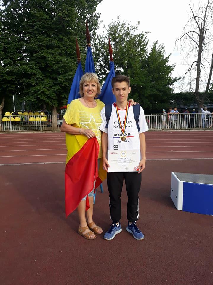 Atletul Sterea Andrei, pentru al treilea an consecutiv, campion naţional la 1500 de metri