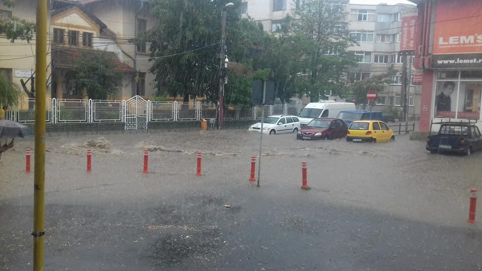Se semnează contractul de finanţare pentru reabilitarea sistemului de preluare a apelor pluviale