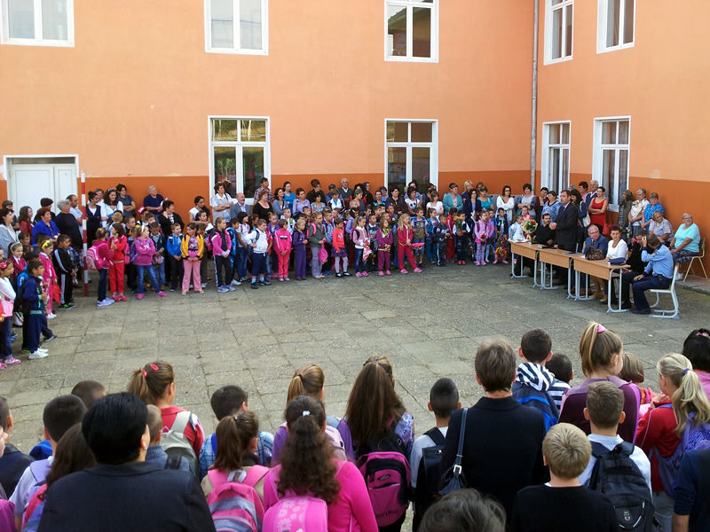 Probleme la început de an şcolar: unităţi de învăţământ fără bani la Tulcea