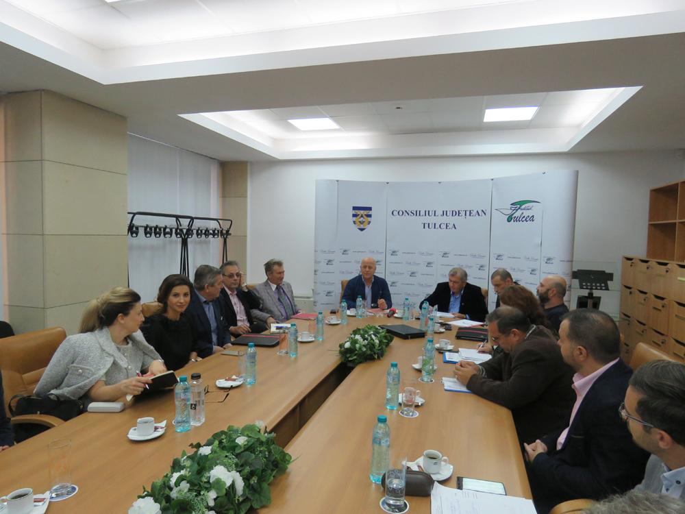 Întâlnire de lucru pentru urgentarea organizării de şantier pentru podul peste Dunăre
