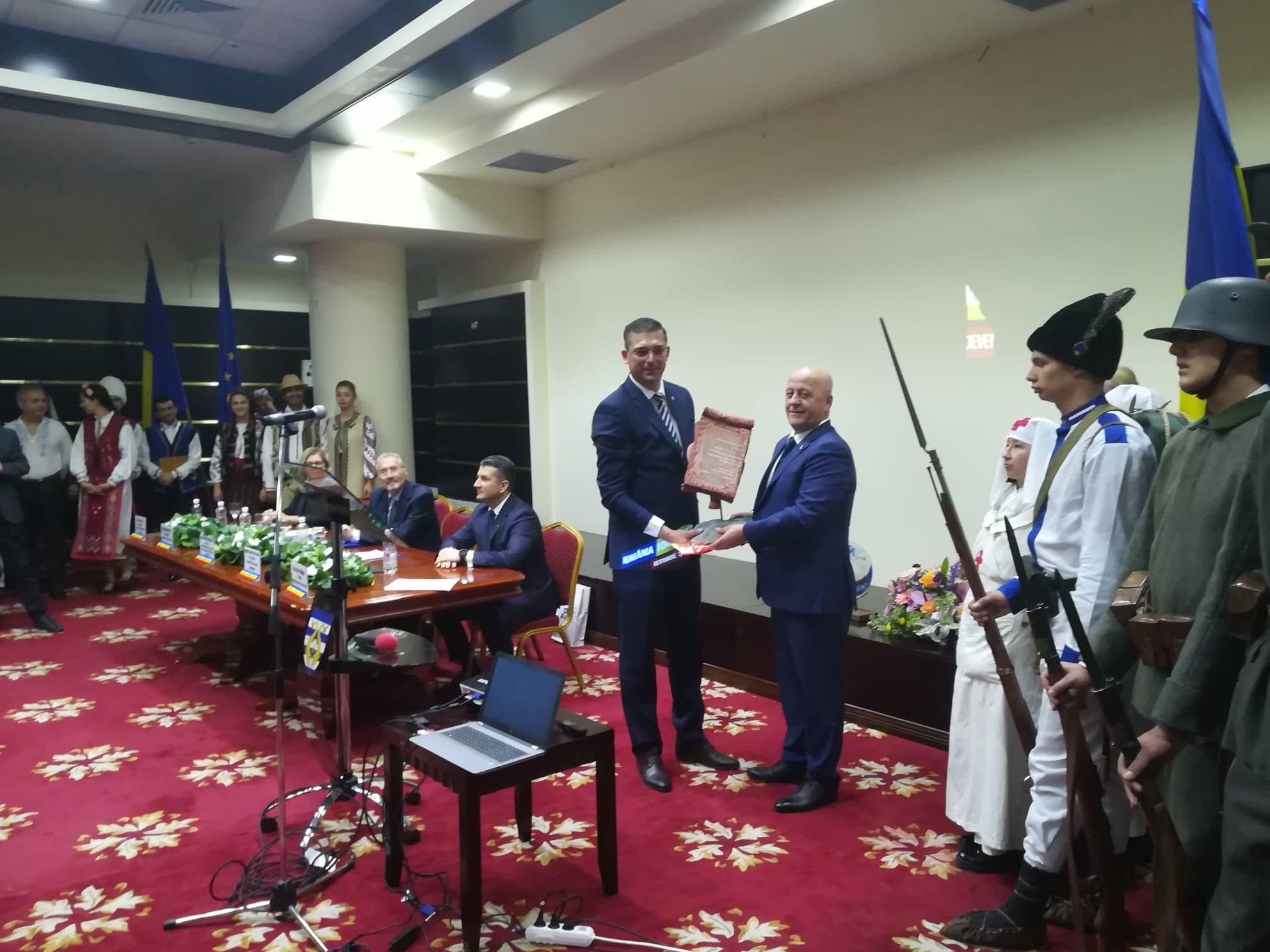 Eveniment: 140 de ani de la unirea Dobrogei cu România, marcaţi printr-o şedinţă solemnă a consiliilor judeţene Tulcea şi Constanta