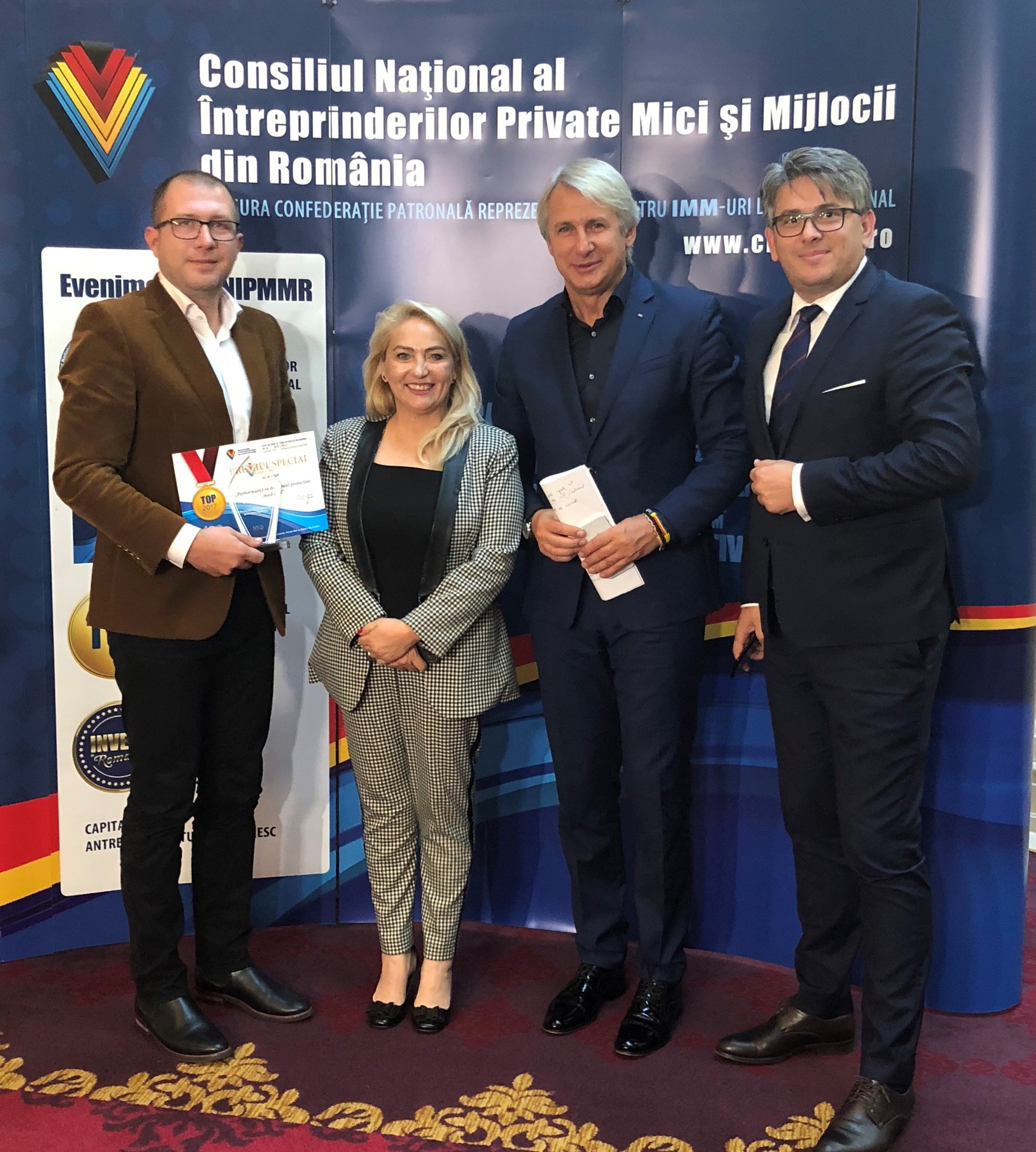 """Performanţă tulceană la Topul Naţional al Firmelor Private din România:  Compania JT Grup a obţinut premiul special pentru """"Performanţă în domeniul protecţiei mediului"""""""