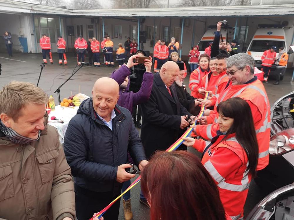 Şase ambulanţe noi, inaugurate la Serviciul de Ambulanţă Judeţean Tulcea