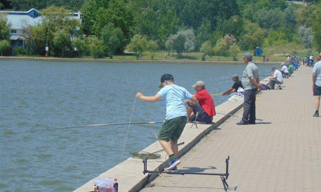 De astăzi, tulcenii au liber la pescuit pe lacul Ciuperca