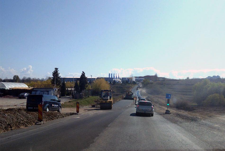 Lucrările la varianta oraşului vor fi finalizate cel târziu la jumătatea lunii septembrie