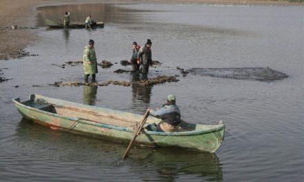 Prohibiţie generală la pescuit, începând de mâine