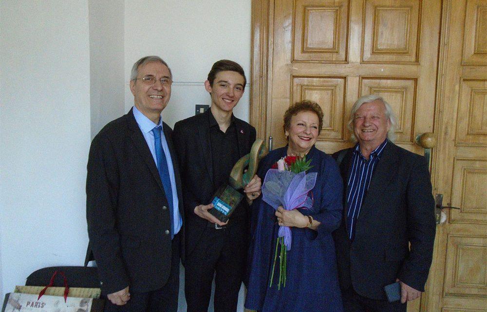 """Marele trofeu al Concursului """"George Georgescu"""", obţinut de un elev din Chişinău"""