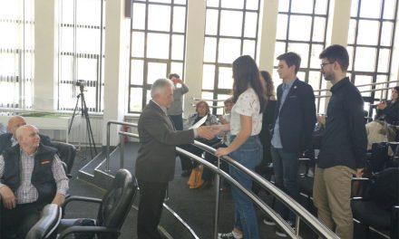 Municipalitatea va susţine financiar deplasările elevilor olimpici la concursuri