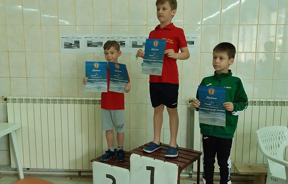 Înot: 9 medalii de aur, argint şi bronz pentru micuţii de la Aqua Vita Delta