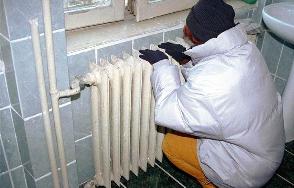 Abonaţii Energoterm riscă să rămână fără căldură în această iarnă