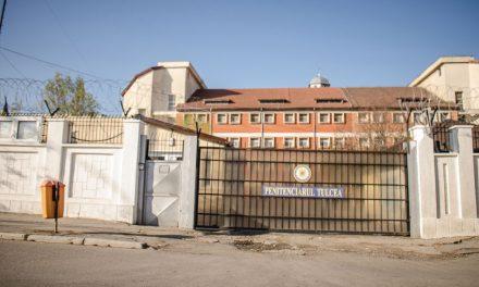 Doi agenţi de la Penitenciarul Tulcea, prinşi în flagrant când luau mită