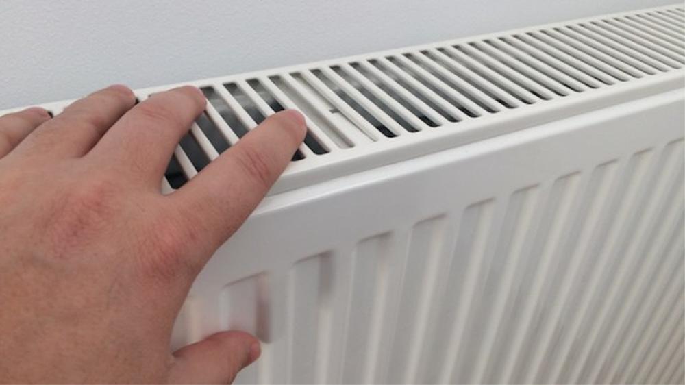 Abonaţii Energoterm riscă să rămână fără căldură la iarnă