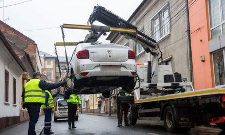 Codul Administrativ amână ridicarea maşinilor parcate neregulamentar în municipiu