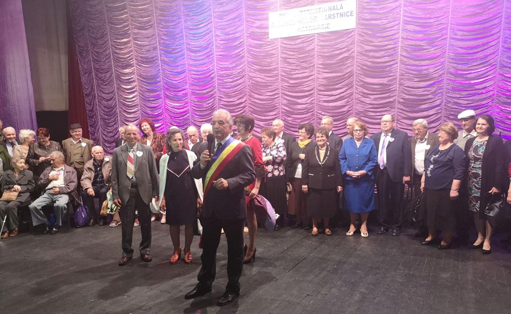 Cupluri de aur tulcene au fost premiate de primarul Constantin Hogea