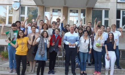Primăria Tulcea a trimis 20 de elevi olimpici în excursie la Sinaia