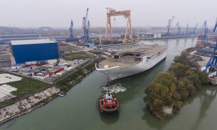 Amendă pentru o firmă din Brăila, după o poluare cu motorină în bazinul din şantierul naval