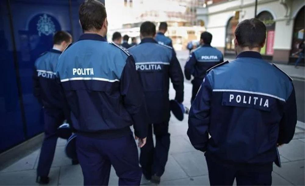 Circa 1000 de poliţişti tulceni vor avea carduri de reducere la Carniprod