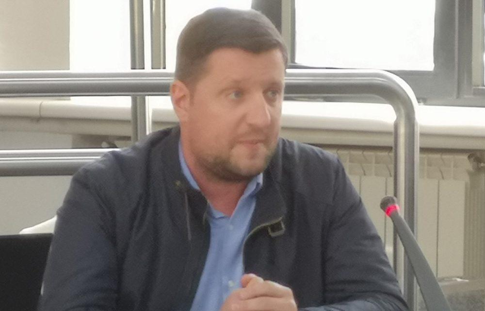 Consilierii locali PNL şi PSD au pus tunurile pe arhitectul şef al municipiului