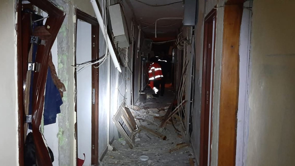 Explozie în cartierul de Vest: 56 de garsoniere distruse, patru oameni răniţi  şi şase maşini avariate