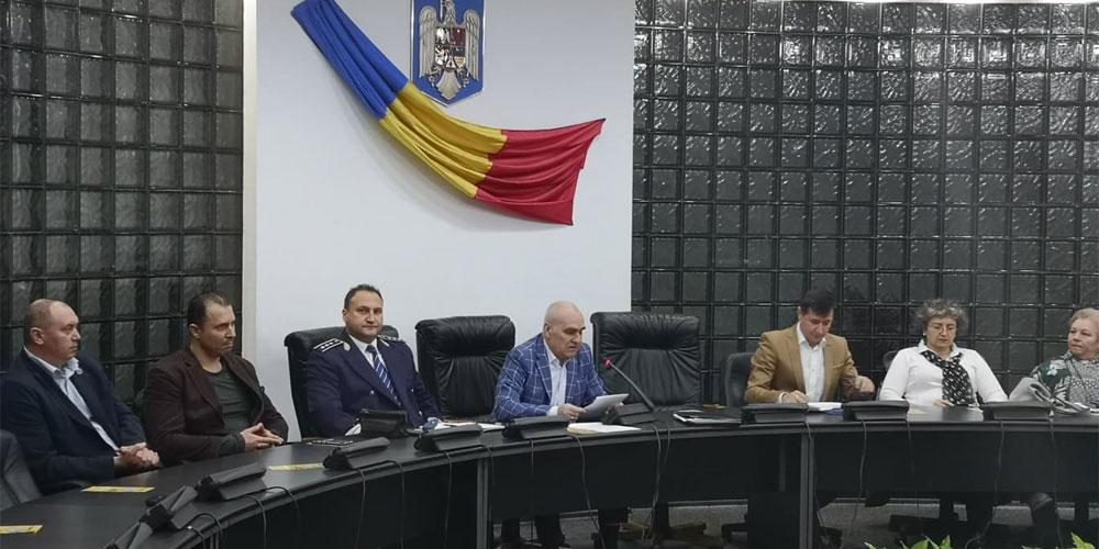 Peste 150 de aleşi locali au devenit experţi în anticorupţie