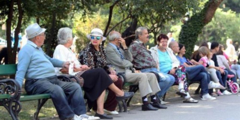 Muncă obligatorie până la 70 de ani? Măsura luată în calcul de Guvern, la pachet cu creşterea ajutorului de înmormântare!