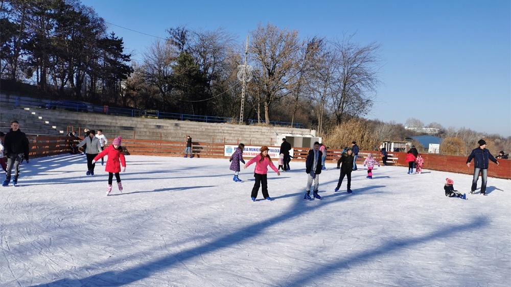 Încasări record la patinoarul din municipiu