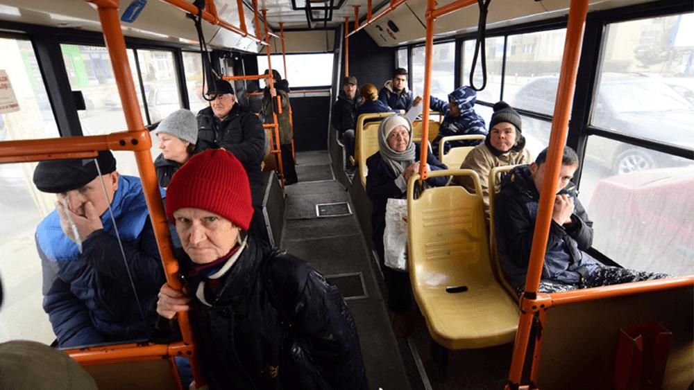 Pensionarii tulceni vor ridicarea plafonului pentru abonamentele pe transport public