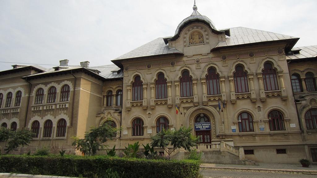 Primăria Tulcea negociază un împrumut de 10 milioane de euro