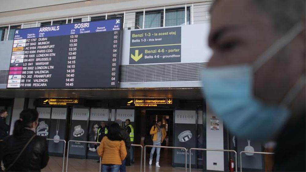 Trei tulceni întorşi din China, izolaţi acasă pentru 14 zile