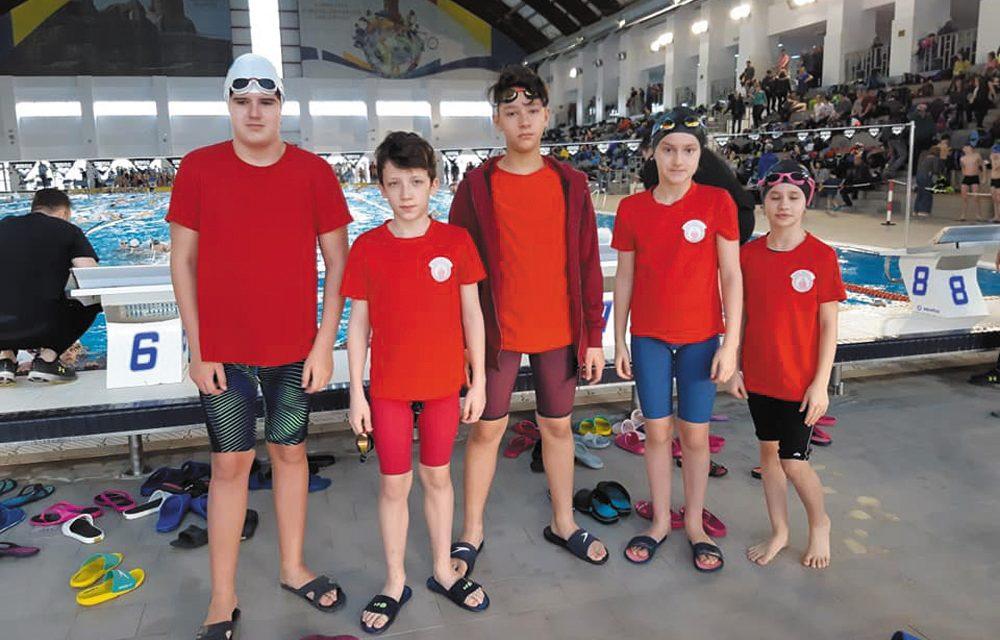 "Înotători de la Aqua Vita Delta, pe podium la Cupa ""Contratimp Chindia"""