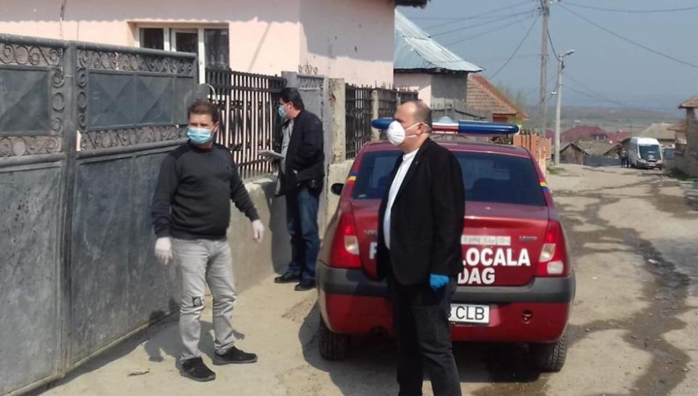 Romii xoraxaj din Babadag, învăţaţi să stea acasă