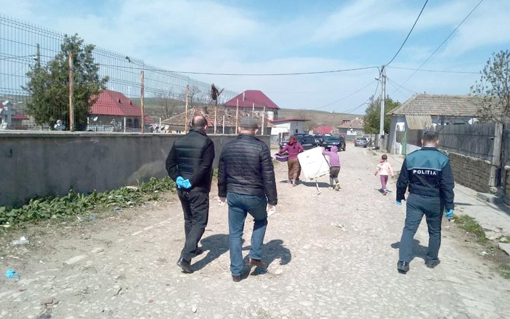 Măştile şi mănuşile de protecţie, obligatorii pentru locuitorii din Babadag