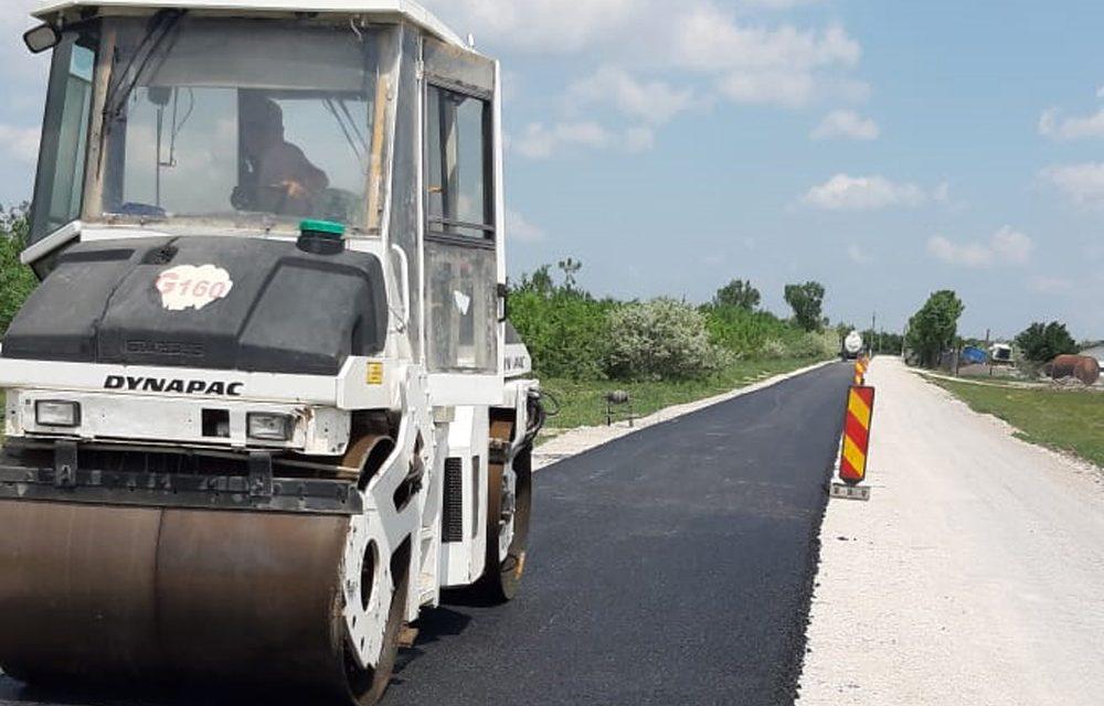 Consiliul Judeţean a asfaltat la Tulcea 64 de kilometri de drumuri judeţene