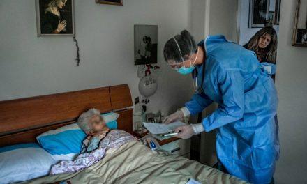 Peste jumătate dintre angajaţii centrelor de îngrijire bătrâni din judeţ au fost testaţi pentru coronavirus