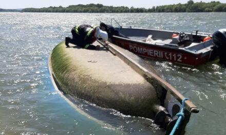 Ambarcaţiune cu 11 persoane răsturnată pe Dunăre: conducătorul  a dispărut în apele fluviului