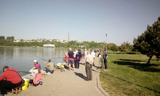 Pescuitul sportiv pe lacul Ciuperca ar putea fi permis de luna viitoare