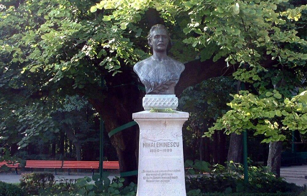 Primăria Tulcea a solicitat refacerea bustului lui Mihai Eminescu * Lucrarea nu corespunde din punct de vedere artistic şi fizic