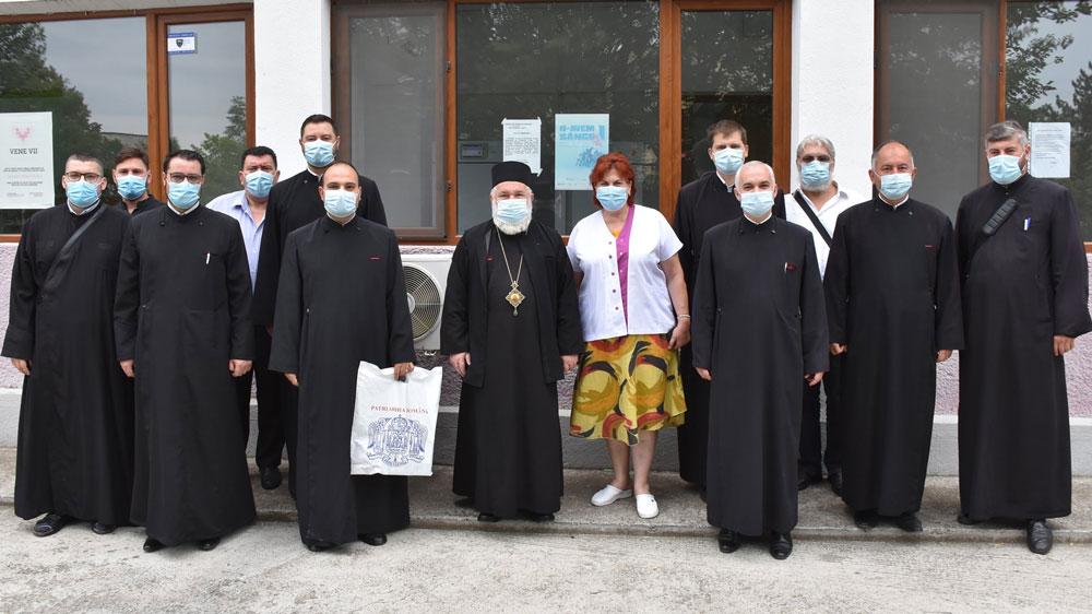 P.S. Visarion şi preoţi din Tulcea au donat sânge