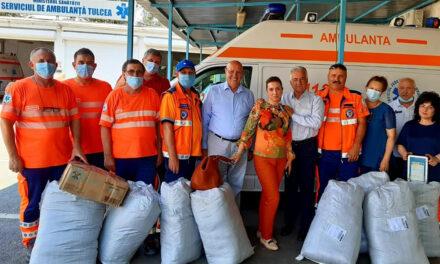 """Asociaţia """"Totul este Posibil"""" şi primarul Hogea, cu donaţii la Ambulanţa Tulcea"""
