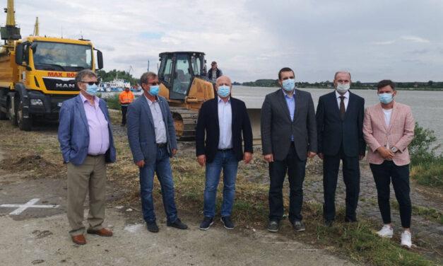 Start lucrărilor de modernizare a portului şi falezei