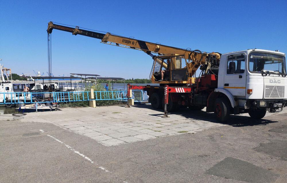 Utilajele destinate reabilitării Portului Tulcea vor ajunge zilele acestea în zonele de lucru