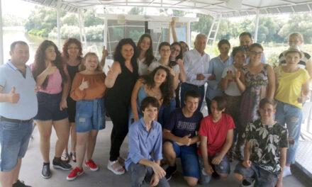 Zecarii de la Evaluarea Naţională şi elevi de excepţie, premiaţi de primarul Hogea