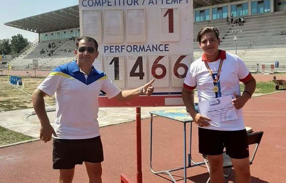 Atleţii din Chilia Veche, medalie de aur pe echipe la Campionatele Naţionale de Cros