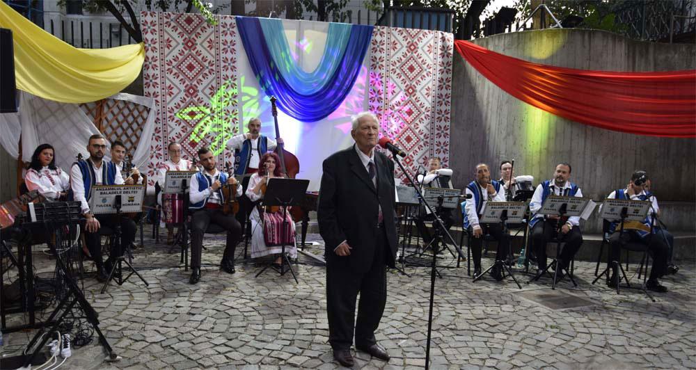 """Cartea """"Folclor muzical din Dobrogea"""" de Constantin Arvinte, lansată la Tulcea"""